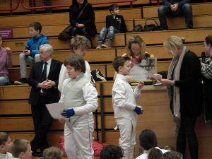 uitreiking diploma tijdens jeugdpuntentoernooi